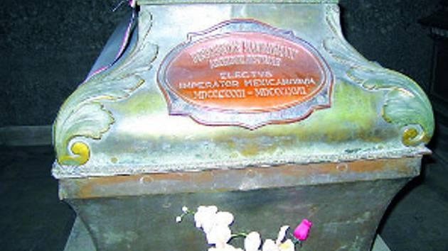 Rakev mexického císaře Maxmiliána Habsburského v kapucínské hrobce ve Vídni.