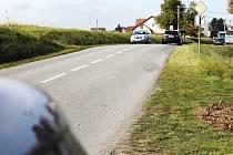 Vyškovská místní část Lhota leží na kopci, řidiči nemají problém jezdit i stovkou.
