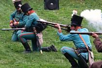 Repliky výstroje i výzbroje vojáků musejí být co nejvěrohodnější. Nejde o levnou záležitost. Každý z nových rekrutů musí mít našetřené desítky tisíc.