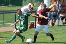 V úvodním kole krajského přeboru fotbalistů porazila Sparta Brno (červené dresy) Tatran Rousínov 4:0.
