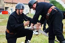 Hasiči z Nesovic slavili výročí. Pro veřejnost si připravili i ukázky zásahů s historickou technikou.