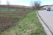 Obecní pozemek na konci Němčan užívají místní jako zahrádky prý už sedmdesát let.