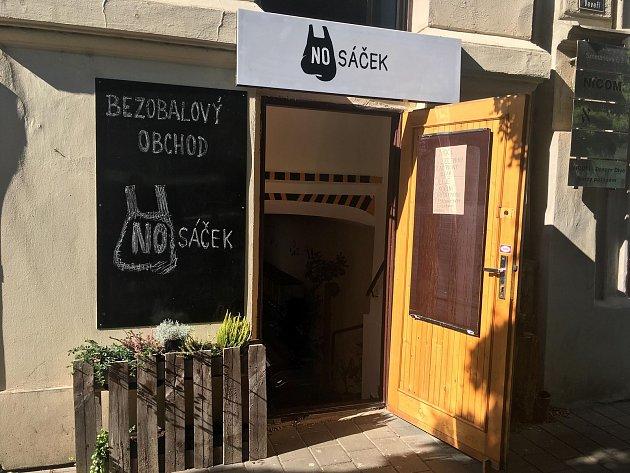 Jiří Sedláček provozuje již bezmála rok bezobalový obchod NOsáček