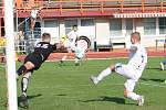 V utkání Moravskoslezské ligy prohrál MFK Vyškov (bílé dresy) se Spartkem Hulín 2:4.