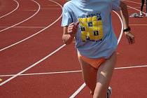 Těžký trénink se Marii Hynštové vyplatil, ve své kategorii je třetí na světě. V týmech je zlatá.