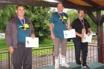 Sportovní střelec SSK Bučovice  Jaroslav Müller (zcela vpravo) získal na mistroství republiky bronzovou medaili.