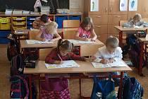 Splývavé čtení a moderní technologie usnadní dětem učení.