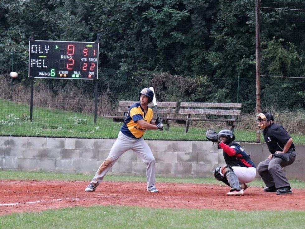 V utkání baseballové kvalifikace o extraligu splnila Olympia Blansko v Bučovicích roli favorita. Pelikány porazila 13:4.
