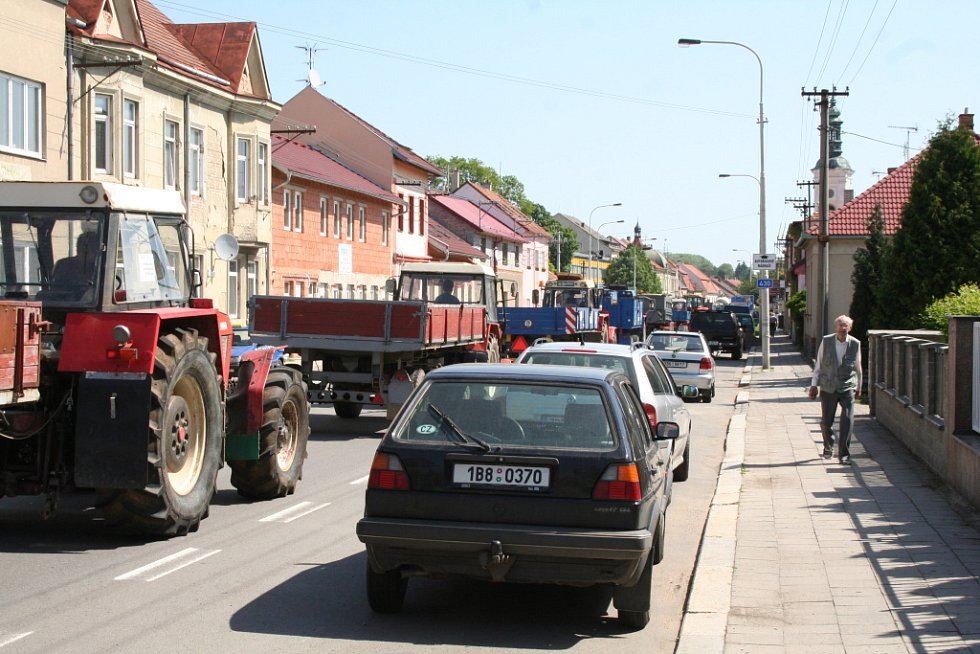 V Rousínově během protestů kolabovala doprava.