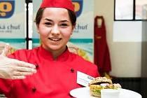 Slavkovská studentka Kristína Čurejová si v celostátní gastronomické soutěži vyvařila třetí místo.
