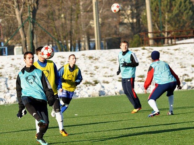 Pod vedením staronové trenérské dvojice Miloslav Machálek – Valdemar Horváth zahájili fotbalisté MFK Vyškov zimní přípravu na jarní část divize.