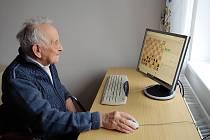 Jednadevadesátilerý šachista Miroslav Jandl.