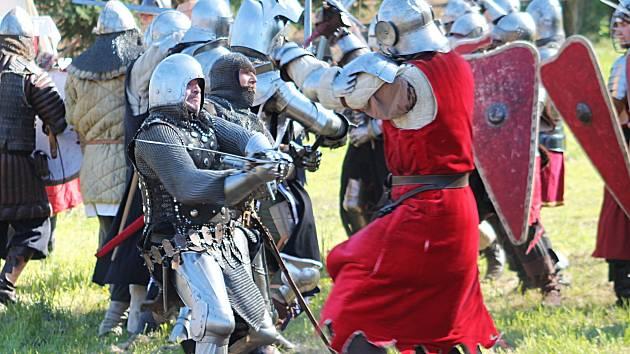 Ukázka bitvy u Wassenbergu byla hlavním bodem programu Lovčičské steče, která v sobotu odpoledne ovládla vesnici.