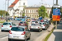 Průtah Vyškovem ucpaly kolony aut.