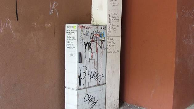 Průchody ve Vyškově? I graffiti a nepořádek.