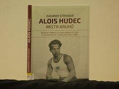 Kniha Dagmar Stryjové pojednávající o račickém olympionikovi Aloisi Hudcovi se v úterý odpoledne dočkala křtu.