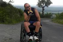 Po dopravní nehodě skončil Lukáš Závodný z Chvalkovic na Hané na invalidním vozíku.