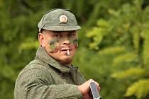 O víkendu se do Kučerova sjeli milovníci vojenské historie. K vidění byla technika i bojové ukázky.