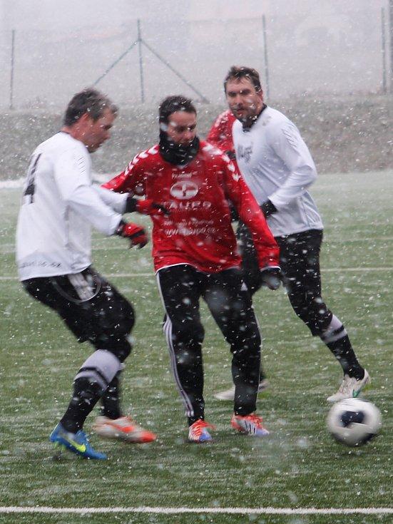 V prvním letošním přípravném utkání porazili fotbalisté MFK Vyškov na domácím umělém trávníku divizní FK Kozlovice 2:1.