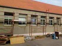 Ve Slavkově u Brna pokračují s opravou polikliniky.