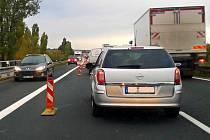 Silničáři o víkendu uzavřeli celý pravý jízdní pás dálnice ve směru na Vyškov.