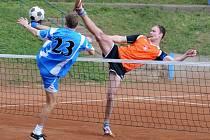 V utkání čtvrtého kola II. ligy nohejbalistů porazil R.U.M. Holubice doma Sokol Třebíč vysoko 6:0.