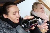 Jako tradičně vyškovská charita uspořádala v centru Vyškova žehnání svatomartinského vína. Při příležitosti dvacátého výročí znovuobnovení organizace také ocenila několik osobností.