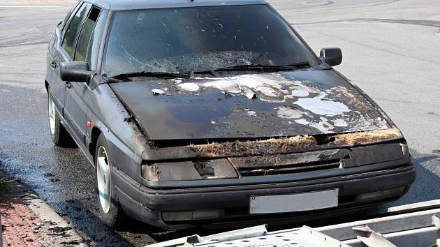 Výjezd hasičů si vyžádal požár osobního auta, které se vznítilo ve středu ve Vyškově.