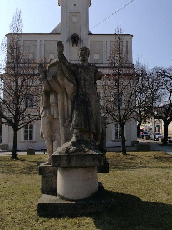 Památník v Rousínově.