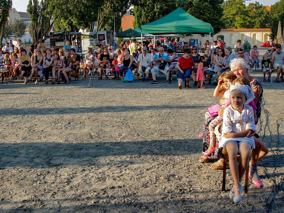 Třetí ročník Daialogfestu bavil návštěvníky vyškovského zámeckého parku.