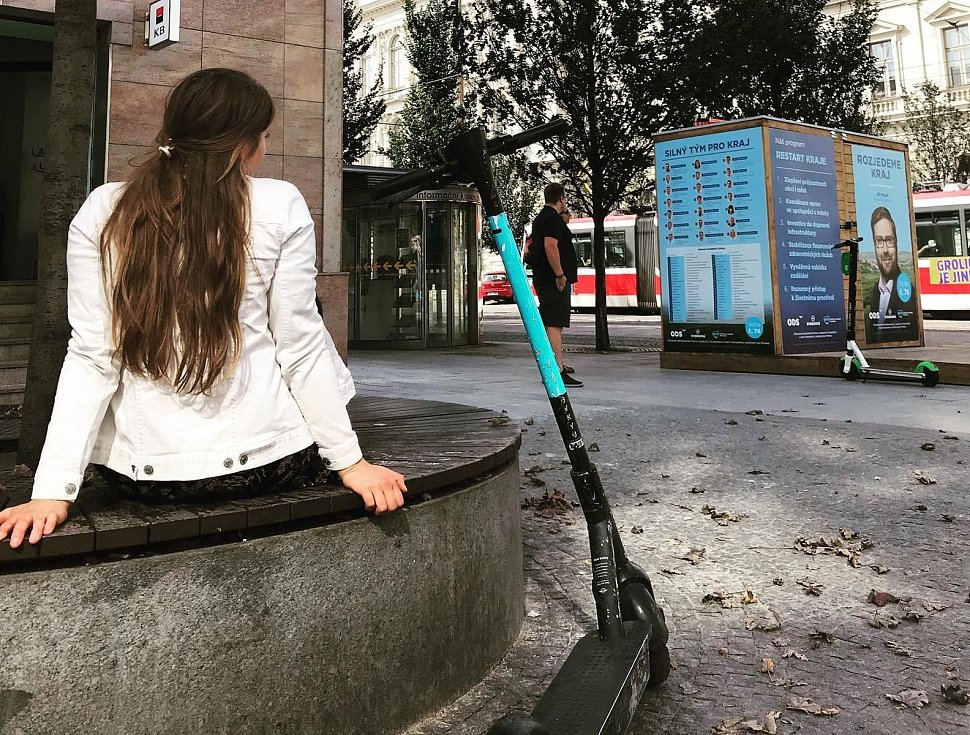 Sdílené elektrokoloběžky v Brně.