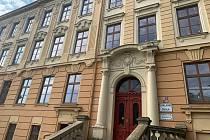 Na Základní škole Nádražní uvítají žáky s novými okny.