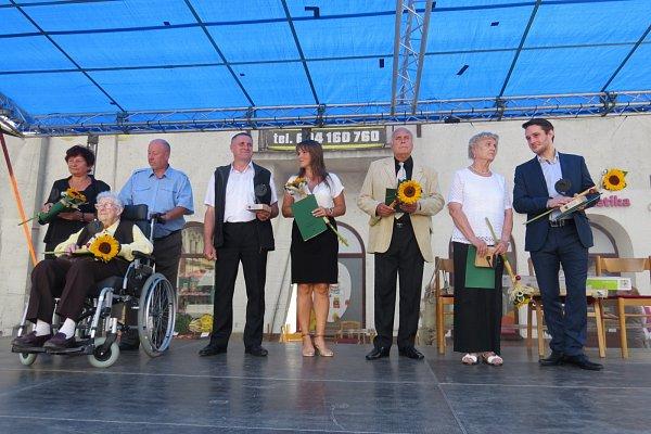 Dny Jablunkova slavili místní vsobotu a vneděli. Behem nedělního dopoledne se předávaly také ceny města.