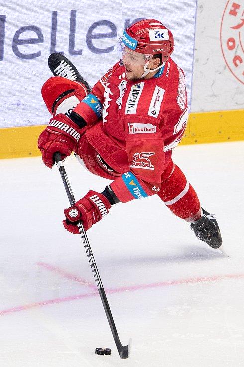 Semifinále play off hokejové Tipsport extraligy - 5. zápas: HC Oceláři Třinec - BK Mladá Boleslav, 11. dubna 2021 v Třinci. Martin Gernát z Třince.