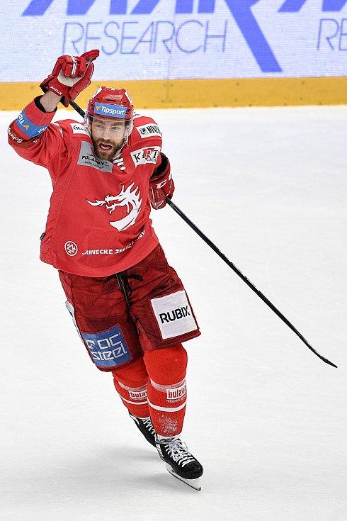 Semifinále play off hokejové Tipsport extraligy - 7. zápas: HC Oceláři Třinec - BK Mladá Boleslav, 15. dubna 2021 v Třinci. Tomáš Marcinko z Třince oslavuje gól.