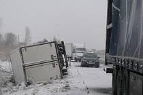 Nehoda kamionu v Horních Tošanovicích.