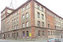 Budova bývalého Slezanu před demolicí.