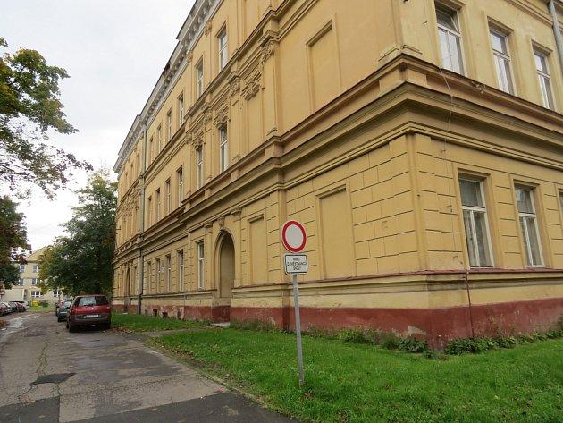 Budova Gymnázia Petra Bezruče ve Frýdku-Místku.