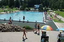Třinecké koupaliště v areálu na Lesní ulici má za sebou dvě vydařené sezony. Ta letošní odstartuje na Den dětí.