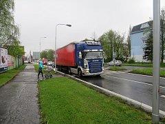 Nehoda se stala poblíž kruhového objezdu u Lidlu.