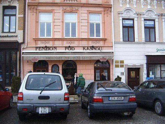 Penzion a restaurant Pod kašnou na Zámeckém náměstí ve Frýdku-Místku.