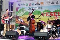 Beskydské Veselého nabízí také koncerty na náměstí.