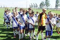 O minulém víkendu se na dvou travnatých hřištích v okolí Hradce Králové uskutečnil mezinárodní žákovský fotbalový turnaj – ČEZ CUP 2008.