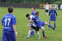 Derby nakonec lépe vyznělo pro fotbalisty Dobratic, kteří se tak dočkali první jarní výhry, když Raškovice zdolali 3:1.