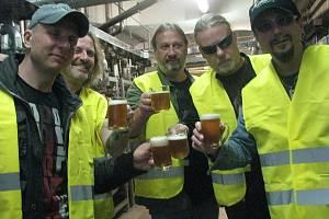Slavná a úspěšná kapela Kabát v pondělí 29. dubna navštívila prostory pivovaru Radegast v Nošovicích.