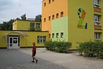 Druhá základní škola na ulici J. Čapka ve Frýdku-Místku prošla rekonstrukcí za rekordní částku 38 milionů korun.