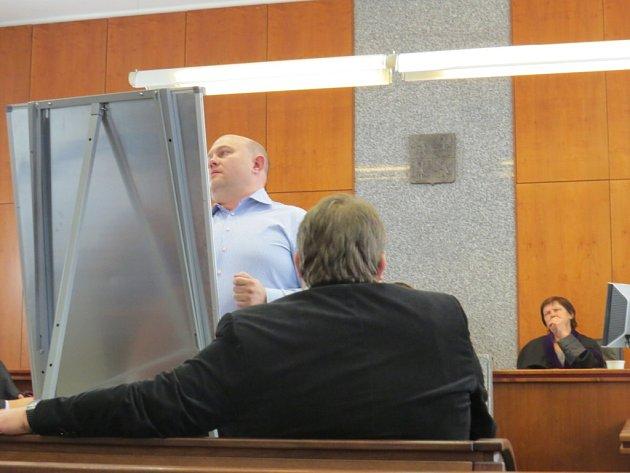 Prezident hokejového klubu HC Frýdek-Místek Lukáš Vích stanul kvůli údajnému zneužití poskytnutých dotací vpátek 9.prosince před soudem.