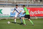 Druholigoví fotbalisté Frýdku-Místku dohrávku 27. kola zvládli na jedničku, když v domácím prostředí porazili trápící se Most 3:0.