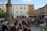 Demonstrace za nezávislou justici a proti vládě na náměstí Svobody ve Frýdku-Místku 11. června.