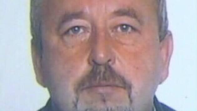 Policie pátrá po 49-letém Petru Sajitzovi z Frýdku-Místku, který sexuálně zneužíval mladíka.